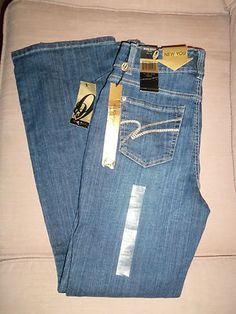 $10.00 Look what I found on @eBay! http://r.ebay.com/7aHlCr . Women's Jeans Size 6/27 Stretch By Nine West Jeans