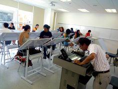 1er día de clases para nuestros alumnos de la carrera de Arquitectura de Interiores.  http://www.ucal.edu.pe/