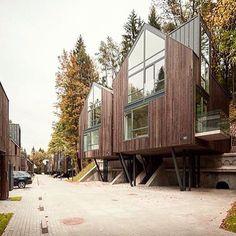 On instagram by design_krasnodar #homedesign #metsuke (o) http://ift.tt/1TX2FF6 деревянные дома в литовском заповеднике. Архитектурная студия plazma и Paleko Architecture…