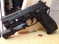SIG-Sauer P226 Mk-25 (navy)