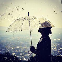 水も滴るいい女を目指しましたが土壇場になって傘さしちゃいました。 - @wacamera- #webstagram