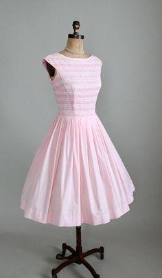 Vintage 1950s Dress 50s 60s Pink Cotton #partydress #vintage #frock #retro #teadress #romantic #feminine #fashion #promdress #petticoat