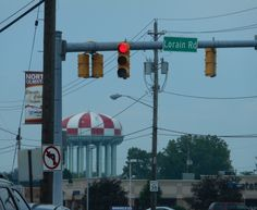 The landmark, jumbo water tower in North Olmsted, Ohio is painted in a red & white checkerboard color scheme which makes the tower noticeable to jet pilots on approach to Cleveland Hopkins Airport (CLE)