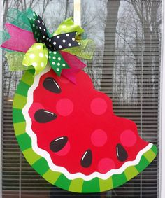Summer Door Hanger.  Watermelon Door Hanger. Summer Wreath. Wooden Door Hangers, Baby Door Hangers, Wooden Doors, Watermelon Decor, Watermelon Birthday, Welcome Door, Diy Door, Summer Diy, Front Door Decor