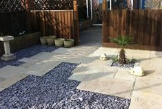 Plum Slate Chippings - Natural Stone & Timber Ltd Plum Slate, Slate Garden, Sandstone Paving, Outdoor Projects, Outdoor Decor, Patio Slabs, Tonne, Garden Stones, Small Gardens