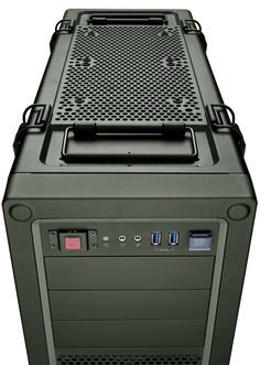 Vengeance® C70 Mid-Tower Gaming Case — Military Green