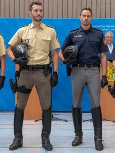 Cop Uniform, Police Uniforms, Men In Uniform, Soldier Haircut, Men's Equestrian, Hot Cops, Cool Boots, Man Boots, Man And Dog