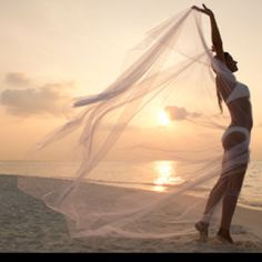 I think this would be really neat to do for a bride who will be getting married on the beach - just her, her bridal lingerie and her veil. Pink Summer, Summer Of Love, Summer Days, Summer Time, Zen, Am Meer, Summer Breeze, Beach Bum, Surfing