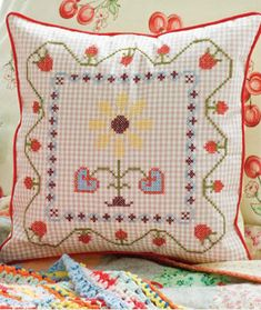 Berry Border Pillow Project [free pdf] from Alicia Paulson's Book - Counted cross stitch on gingham fabric. Pillow Embroidery, Hand Embroidery Stitches, Cross Stitch Embroidery, Embroidery Designs, Crazy Quilting, Diy Pillows, Decorative Throw Pillows, Chicken Scratch Embroidery, Gingham Fabric