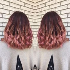 Curls are so cute with rose gold hairstyles!