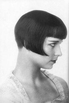 Louise Brooks. Wering the most perfect hair cut, EVER.