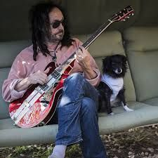 Mike Campbell for Tazzy Fund Mike Campbell, Tom Petty, Rock And Roll, Toms, Guitar Players, Guitars, Musicians, Entertainment, Happy