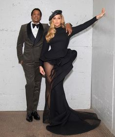 Jay Z and Beyonce depart from the pre-Grammy gala honoring the Brooklyn-born rapper on Saturday night. Beyonce wore a silk gown that took 300 hours to make. Beyonce Knowles Carter, Beyonce And Jay Z, Tina Knowles, Beyonce Style, Fashion Couple, Thug Life, 4 Life, 2pac, Red Carpet Dresses
