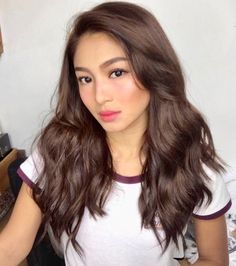 Our Favorite 2018 Nadine Lustre Hairstyles Nadine Lustre Fashion, Nadine Lustre Outfits, Nadine Lustre Makeup, Filipina Actress, Filipina Beauty, Filipina Girls, Drunk Blush Makeup, Nadine Lustre Instagram, Hair Color For Morena