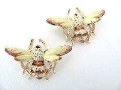 Vintage 1960's Enamel Bee Brooch  NOS Bee by BroochesTheSubject, $18.50