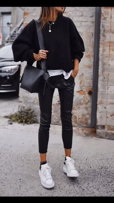 70 The Best Street Style Fashion Ideas Of The Year - Doozy List - hot&sexi clothes - Modetrends Winter Fashion Outfits, Winter Outfits, Summer Outfits, Sneakers Fashion Outfits, Sweater Fashion, Fasion, Looks Chic, Looks Style, Fashion Mode