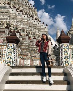 Prolly my fave temple in BKK 😍 Girl Crushes, Temple, Ootd, Posing Ideas, Poses, Fitness, Youtube, Queens, Outfit Ideas