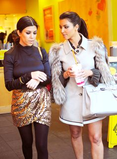Kourtney Kardashian & Kim Kardashian