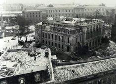 Demolición del Palacio de Medinaceli en la Plaza de Colón, 1964.