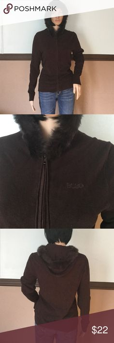 BCBG sweater  83%rayon 15%nylon 2%spandex Great condition BCBG Sweaters