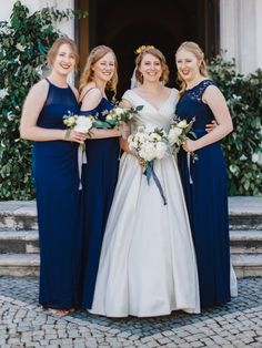 Intimate rustic vintage wedding on a quinta / villa in Alenquer, Portugal. Beautiful bride Justine with her bridesmaids. Elopement destination wedding of your dreams. Planning by StudioVictorias Bridesmaids, Bridesmaid Dresses, Wedding Dresses, Elope Wedding, Wedding Venues, Religious Wedding, Wedding Abroad, Destination Wedding Planner, Best Wedding Photographers