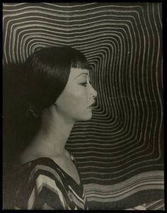 Chinese American actress Anna May Wong, photography by Carl Van Vechten Asian American Actresses, Zentangle, Anna May, Sound Film, Chinese American, Portraits, Silent Film, Beauty Quotes, Vintage Photography