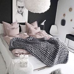Today we are going to show you 5 Scandinavian bedroom design ideas that gather all these factors. Teen Bedroom, Dream Bedroom, Home Bedroom, Bedroom Ideas, Bedroom Themes, Bedroom Inspiration, Girl Bedrooms, Bedroom Furniture, Decor Room