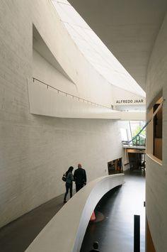 KIASMA contemporary art museum. Helsinki, Finland - Steven Holl, 1998