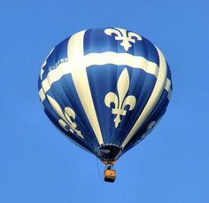 Up, up, and away in my beautiful fleur-de-lis balloon! Air Ballon, Hot Air Balloon, Love Blue, Blue And White, Big Balloons, Balloon Rides, National Art, Oui Oui, Coat Of Arms