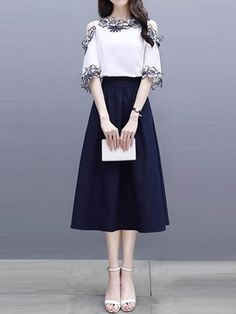 Korean Fashion Dress, Indian Fashion Dresses, Kpop Fashion Outfits, Girls Fashion Clothes, Stylish Work Outfits, Stylish Dresses For Girls, Stylish Dress Designs, Casual Dresses, Mode Kpop