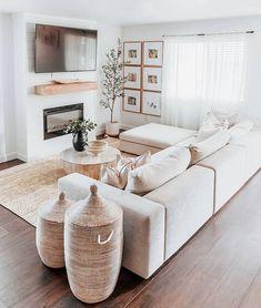 Living Room Inspiration, Home Decor Inspiration, Decor Ideas, Home Living Room, Living Room Decor, White Living Room Sofas, Neutral Living Rooms, Small Apartment Living, Cozy Living Rooms