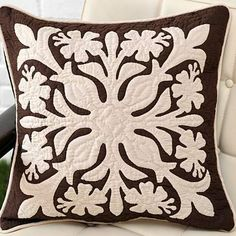 Hawaiian Quilt patterns on these throw pillows give and instant ... : hawaiian quilt pillows - Adamdwight.com