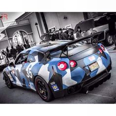 Cool Dipped Camo Nissan GTR #carwrapping #wrap #vehicle #vehiclewrap #Autofolierung #fahrzeugfolierung #camouflage