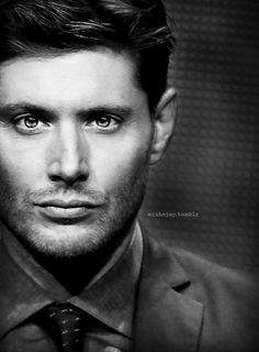 Jensen at Television Critics Association  - what a face to wake up to!! <3