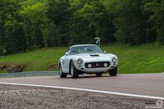 #Ferrari #250 GT Berlinetta au Grand Prix de l'Age d'Or. #MoteuràSouvenirs Reportage complet : http://newsdanciennes.com/2016/06/06/jolis-plateaux-beau-succes-grand-prix-de-lage-dor-2016/ #ClassicCar #VintageCar