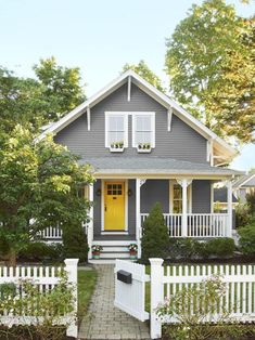 Trendy exterior paint colors for house stucco curb appeal front porches Ideas Dark Grey Houses, Yellow Houses, Grey House White Trim, Brown House, Yellow Front Doors, Front Door Colors, Exterior Paint Colors For House, Paint Colors For Home, Grey House Paint