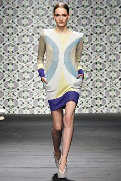Iceberg Spring 2013 Ready-to-Wear Fashion Show - Zuzanna Bijoch