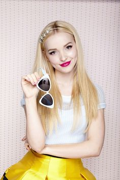 Dove Cameron trivia, pictures, links and merchandise. A page dedicated to the actress known as Liv Rooney/Maddie Rooney on the TV series 'Liv and Maddie'. Part of the TV and Movie Trivia Tribute. Liv Y Maddie, Dov Cameron, Dove Cameron Style, Wattpad, Sabrina Carpenter, Hollywood Celebrities, Girl Celebrities, Beautiful Actresses, Beautiful People