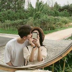 Imagen de couple, kfashion, and ulzzang Cute Couples Goals, Couple Goals, Korean Couple, Ulzzang Couple, Couple Aesthetic, Cute Couple Pictures, Couple Shoot, Cute Korean, Boyfriend