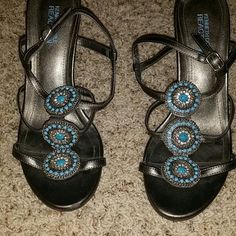 Kenneth Cole Reaction Heels Cute pewter sandal pumps with turquoise medallions!  Worn twice, excellent condition. Kenneth Cole Reaction Shoes Heels