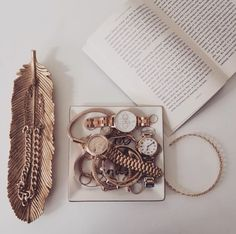 Blogger Frassy Audrey's accessory collection, featuring our Chrono Detail Dot Design Rose Gold Bracelet <3