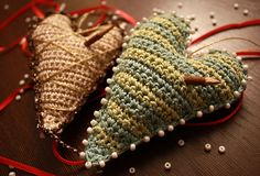 Christmas decoration: a soft knitted heart