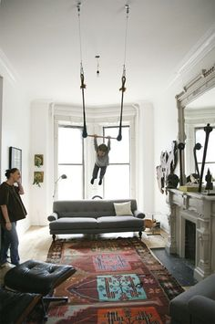 Trapeze in the living room. I hada trapeze in my living room growing up! it was a blast! Interior Design, Interior Photo, Modern Interior, Swing Indoor, Indoor Playground, My Living Room, Living Spaces, Childrens Swings, Family Rooms
