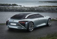 Citroën a présenté son CXperience Concept haut de gamme, hybride et rechargeable.