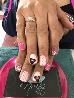 Acrylic nails, nails art, minnie nails