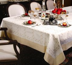 RIBBON ROSE EMBROIDERED TABLECLOTH - OFF WHITE