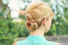 5 easy summer hairstyles (love the buns!)