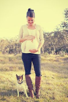 Outfit idea for maternity shoot., if only my dogs would actually sit and let their picture be taken like this lol