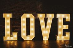 giant light-up love letters - The Big 2016 Weddings Round-Up | Herefordshire Wedding Photography
