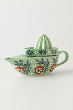 Wallpaper Juicer, Anthropologie @Virginia Ivey - this reminds me of your decor style. :)